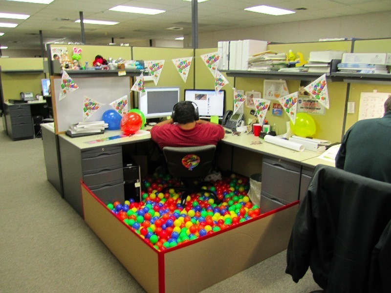 Cubicle Decorating Ideas Delectable Best Cubicle Decorations For Halloween  Thrifty Blog Decorating Design