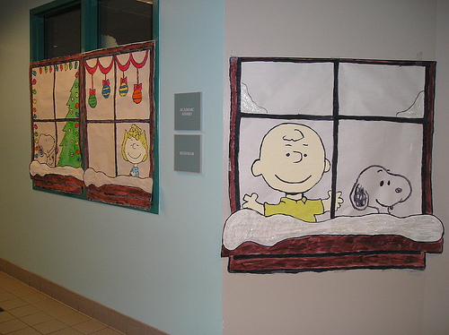 charlie brown windows - Christmas Office Decorations