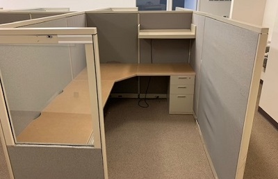 6' x 8' Steelcase Cubicle
