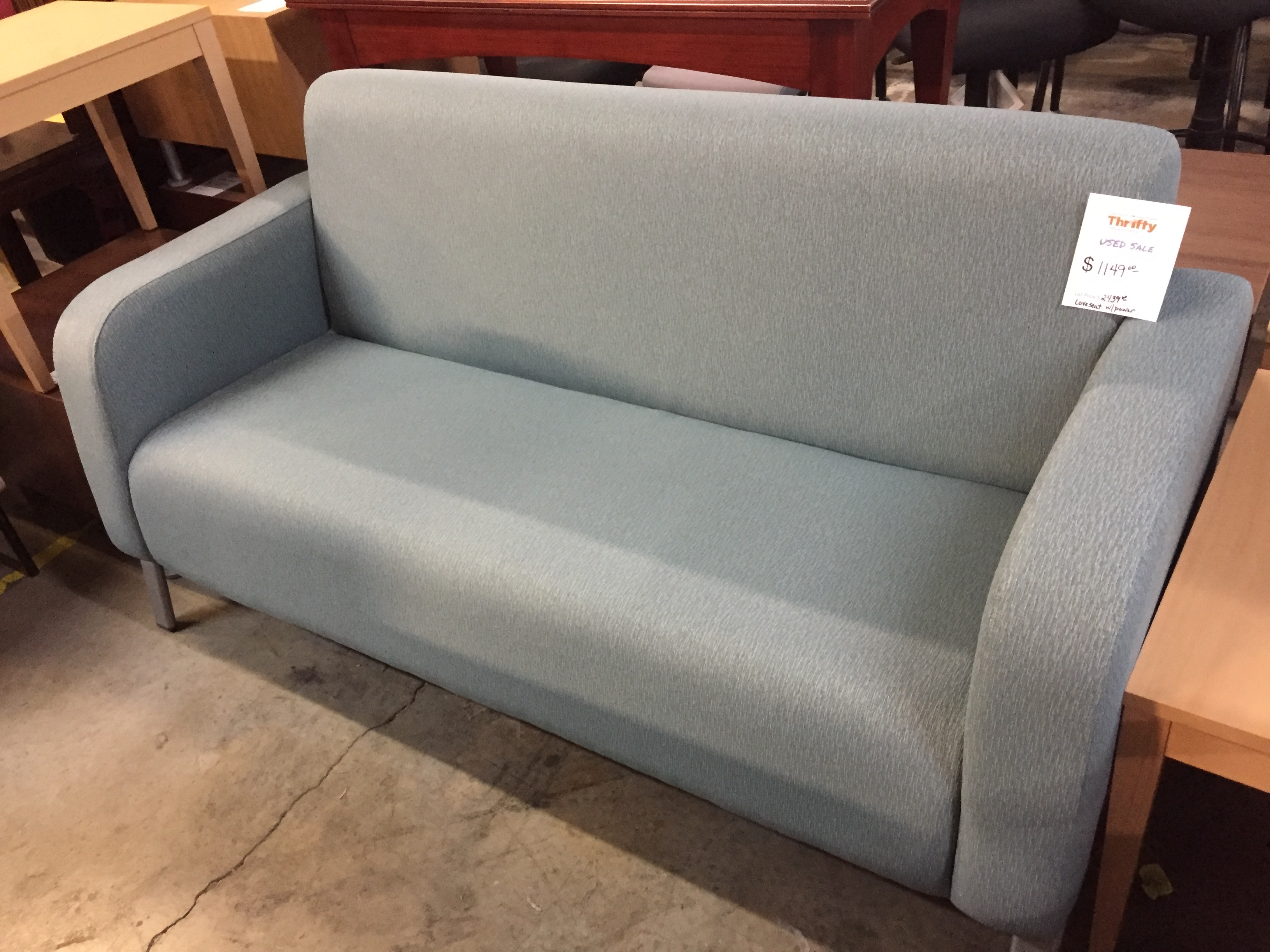 Loveseat w/Power in Momentum Align Flint
