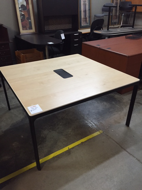 Maple Veneer And Black Table 60x60 10316b Thrifty